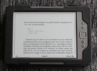 Pour lire nos livres au format ePub sur une liseuse Kindle, vous devrez au préalable convertir votre fichier .epub dans un format compatible avec les appareils Kindle.